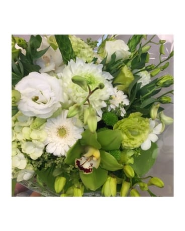 Classic White & Green Cut Bouquet