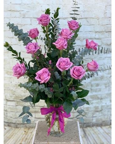 Long Stem Lavender Roses Flower Arrangement