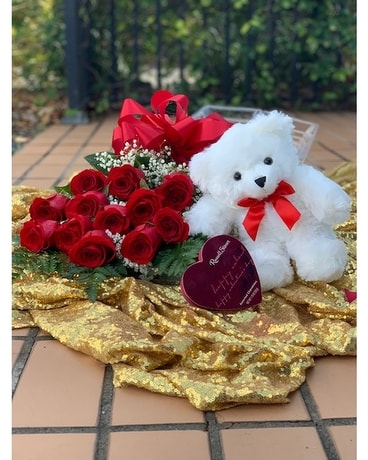 Sherwood's Boxed Rose Valentine's Bundle Flowers