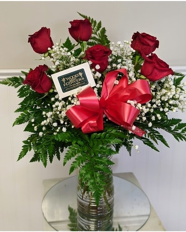 Hearts & Roses Flower Arrangement
