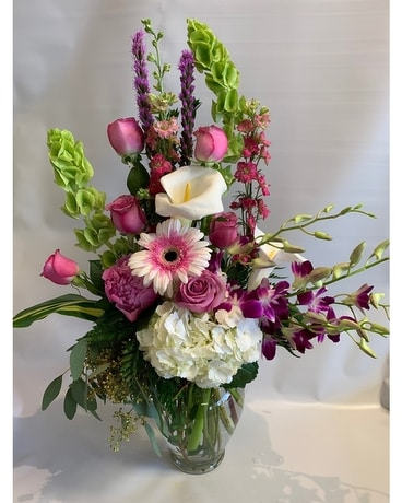 Rosie Pinks Flower Arrangement