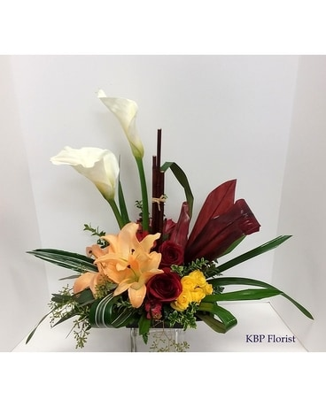 Callas and style Flower Arrangement