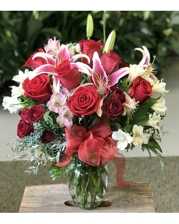 Romance Abounds in You Flower Arrangement