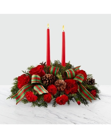 Warm Holiday Classic ftd Flower Arrangement