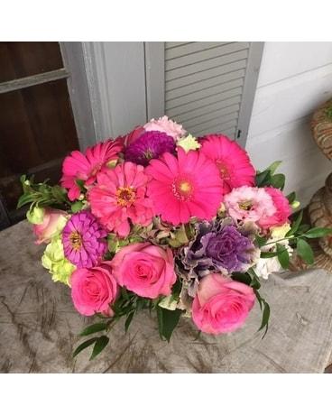 Fresh garden style arrangements delivery memphis tn le fleur summers hot pink mightylinksfo