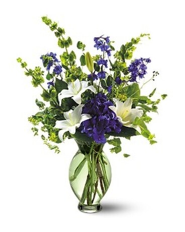 Teleflora's Green Inspiration Bouquet Flower Arrangement