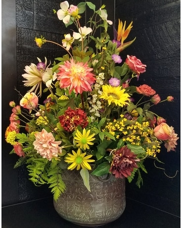 Grand Impression Specialty Arrangement