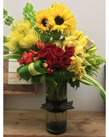 Kiss Of The Sun Flower Arrangement