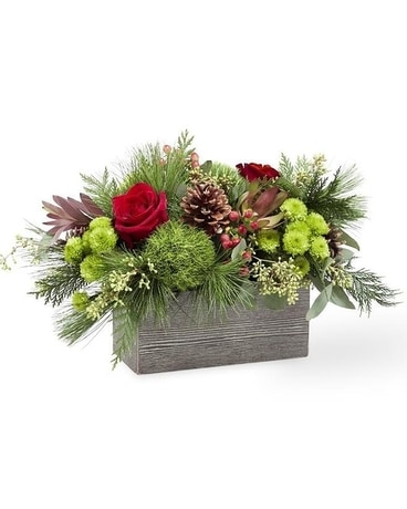 Christmas Cabin™ Bouquet Centerpiece