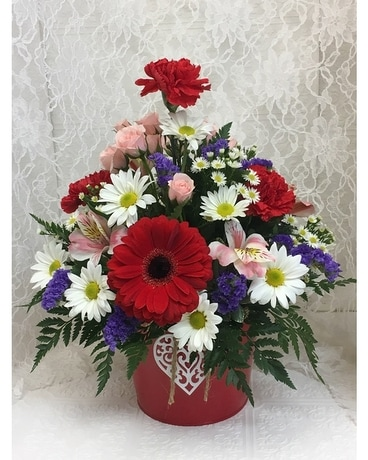 Cupid's Delight LG Flower Arrangement