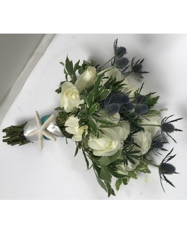 bridge and groom Flower Arrangement