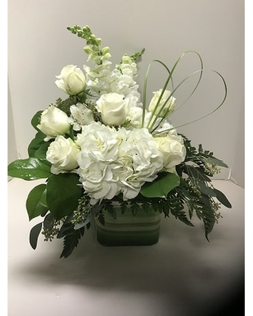Crisp And Clean Flower Arrangement