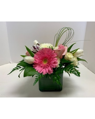 Pink Delight Cube Flower Arrangement