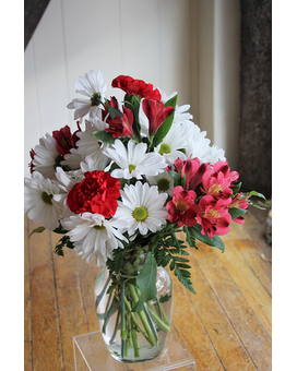 Traditional Valentine's Day Mix Flower Arrangement