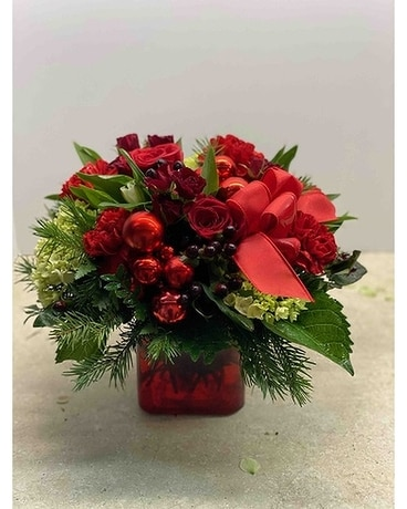 FAB-9609 Christmas Flower Arrangement