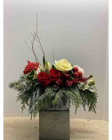 FAB-9611 Christmas Flower Arrangement