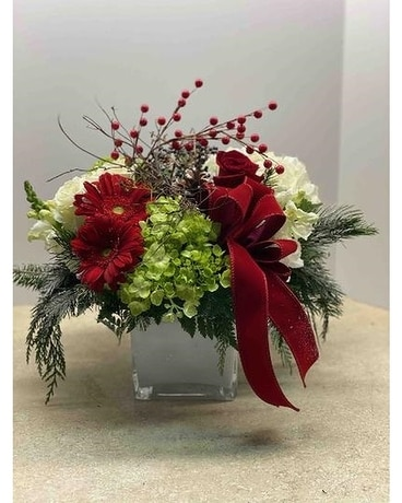 FAB-9618 Christmas Flower Arrangement