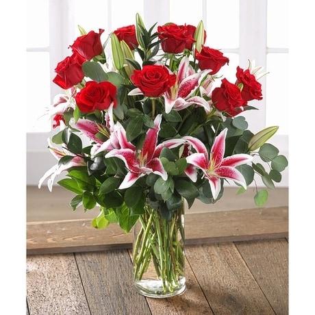 Red Roses Stargazer Lilies In Bradenton Fl Ms Scarlett S
