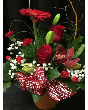 Classic red and white Flower Arrangement