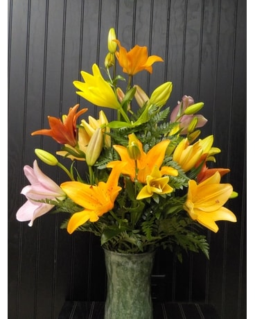 1 Dozen Asiatic lilies Flower Arrangement