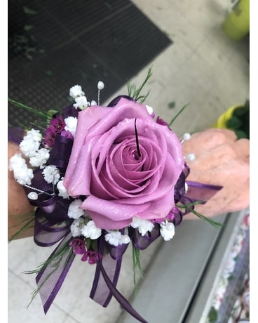 Simply Elegant Corsage Flower Arrangement