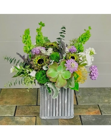 Natural Shoreline Flower Arrangement