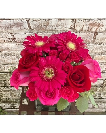PRETTY IN PINK AND RED Flower Arrangement