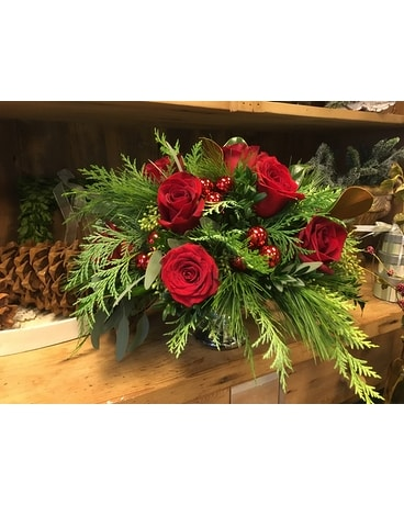 Hollywood Christmas Dozen Flower Arrangement