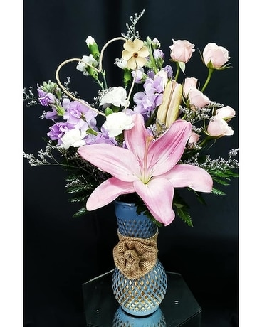 Country Charmer Flower Arrangement