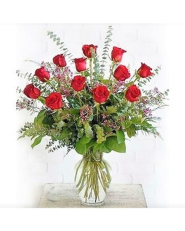 The Essential Rose Collection Flower Arrangement