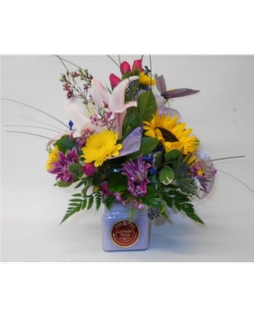 Circle E Bouquet 28 oz Flower Arrangement