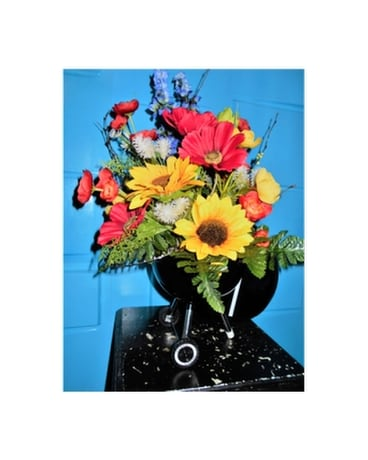 Summertime Grilling Flower Arrangement