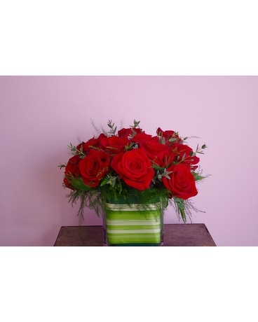 Dozen Roses Flower Arrangement