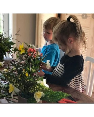 ONLINEKIDKIT Flower Arrangement