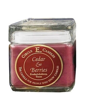 Cedar & Berries (2 sizes) Circle E Candle Gifts