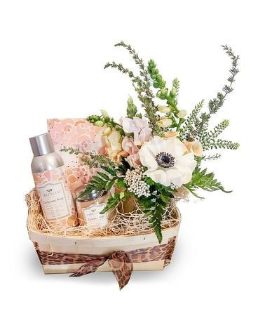 Home Fragrance Bundle Basket Flower Arrangement