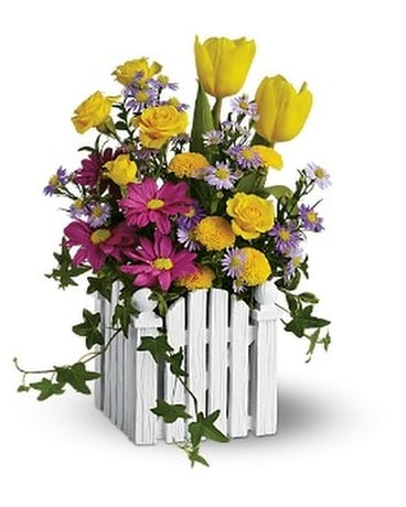 Teleflora's Picket Fence Bouquet Custom product