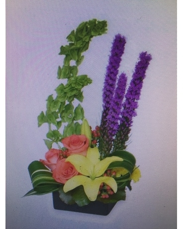 Captivating color Flower Arrangement