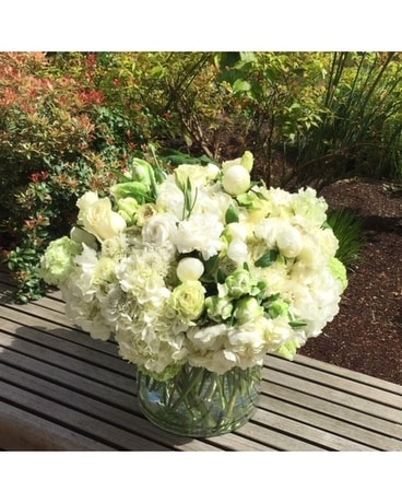 WHITE MASTERPIECE Flower Arrangement