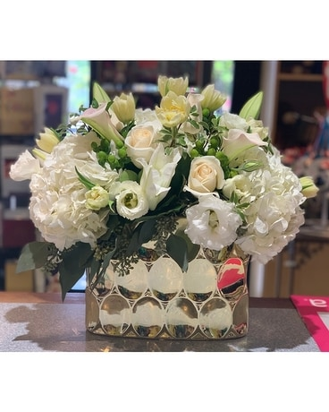 Golden Beauty Flower Arrangement