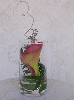 simple calla lily with greenery