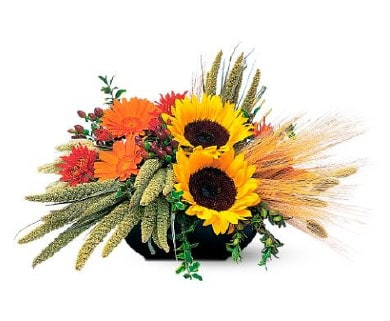 Fall table arrangement with sunflowers