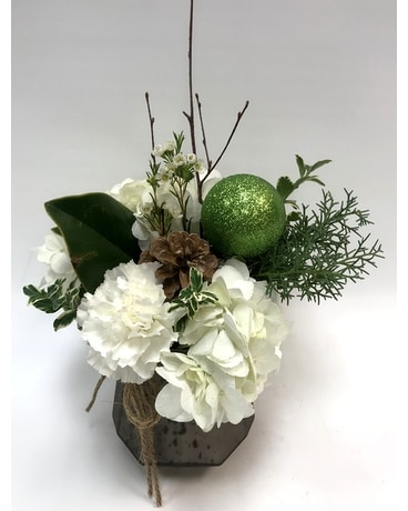 Green and White Beauty Flower Arrangement
