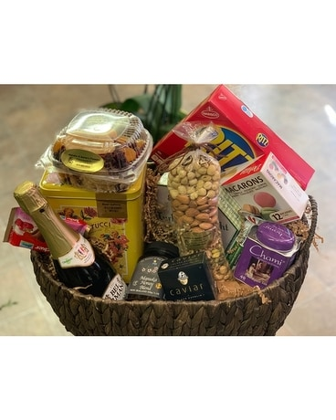 Basket Assorted Nuts Dried fruits Chocolate Flower Arrangement