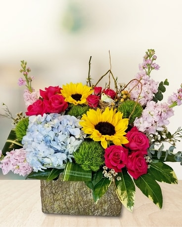 Summer Party Flower Arrangement
