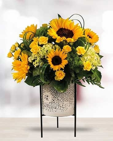Here Comes the Sun - Deluxe Flower Arrangement