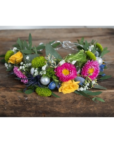 Spring Fair Crown Flower Arrangement
