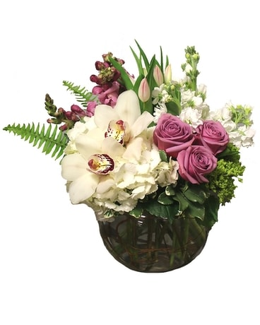 Queen for a Day Flower Arrangement
