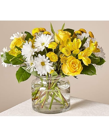 The Sunny SentimentsTM Bouquet By FTDR