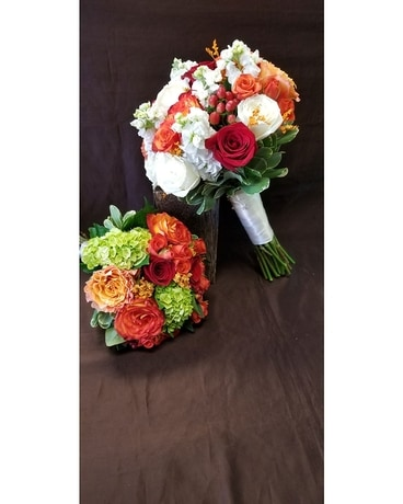 Bride and Maid of Honor Flower Arrangement